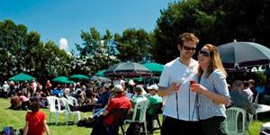 Party in Martinborough / © newzealand.com