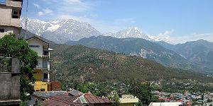 Blick von Dharamsala auf den Himalaya