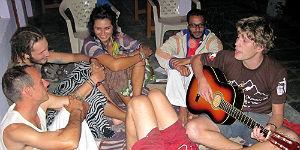 Abentuer Indien: Abends im Hippie-Guesthouse