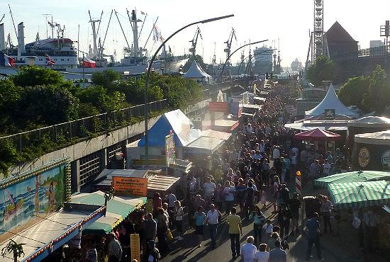 Auf der Hafenmeile sorgten rund 500 Schausteller und Subveranstalter für gute Unterhaltung.