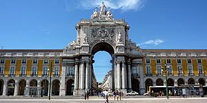 Triumphbogen Arco da Rua Augusta am Praça do Comércio