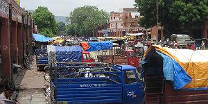 Eine der chaotischen Straßen in Jaipur © P.Höhnel