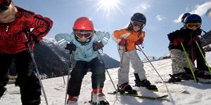 Kleine Ski-Fans in St. Anton am Arlberg