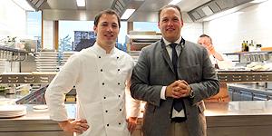 Chef de Cuisine Sascha Kemmerer und Hoteldirektor Alexander Bauerfeind © Melanie Kiel