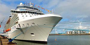 Die Celebrity Reflection ist unterwegs