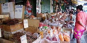 Gewürze und vieles mehr bieten die Märkte Bangkoks © Brigitte Bonder