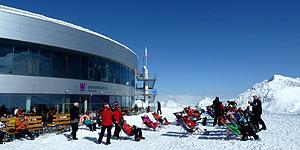 Skifahren und Sonne tanken am Stubaier Gletscher