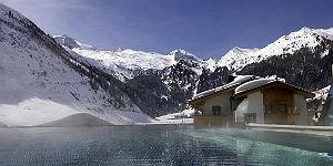 Traumhafter Ausblick vom Außenpool ins Skigebiet © Klausnerhof
