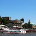 Große Hafenrundfahrt durch Hamburg