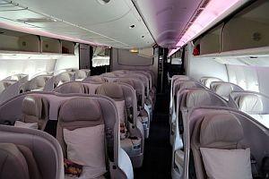 Viel Platz im Premium Economy Space Seat © Brigitte Bonder