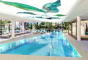 Großzügiger Pool © la maiena meran resort