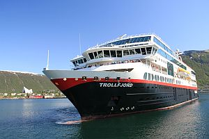 Mit den Hurtigruten unterwegs © Thomas Sbikowski