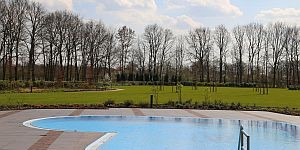 Herzförmiger Pool © Brigitte Bonder
