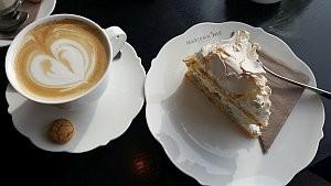 Kuchen im Edel-Café © Brigitte Bonder
