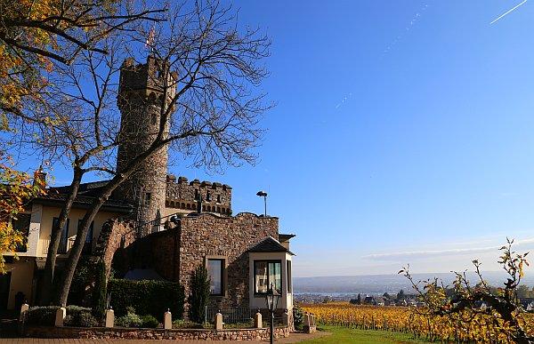Burg Schwarzenstein © Thomas Sbikowski