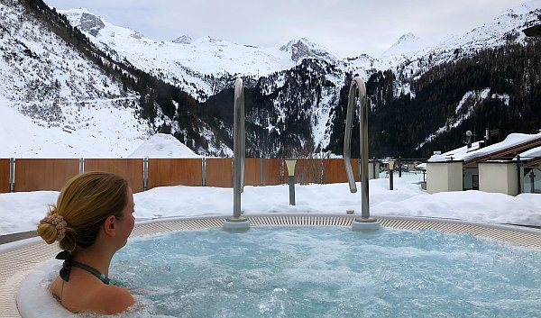 Relaxen im Whirlpool © Thomas Sbikowski