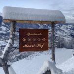 Roter Hahn – Winterurlaub auf dem Moarlhof